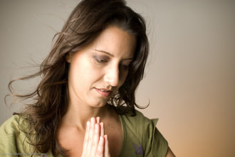 woman praying to develop a heart for evangelism